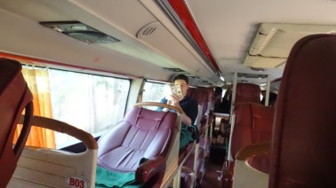 Dalat Bus -- 5