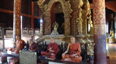 Replicas of famous monks... but so lifelike!