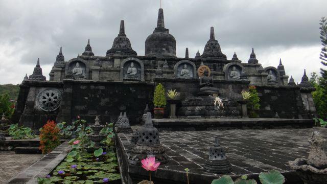 Brahma Vihara Arama Buddhist temple