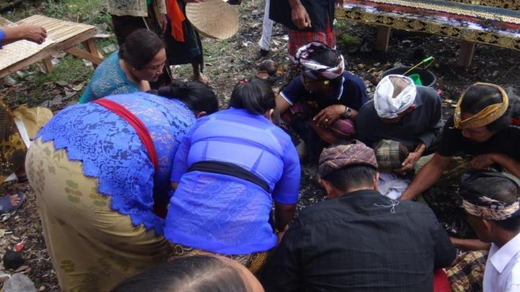 Ubud Bali Cremation (15)
