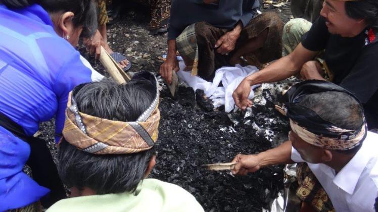 Ubud Bali Cremation (16)