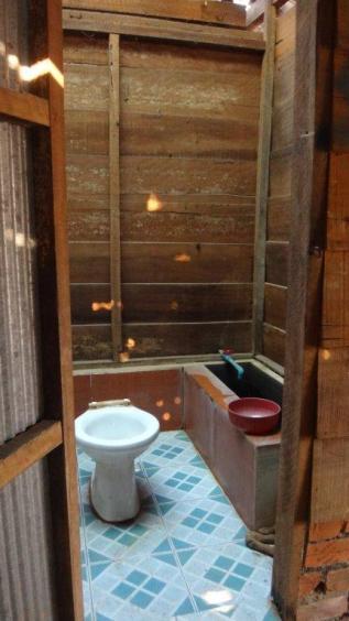 Bathrooms (18)