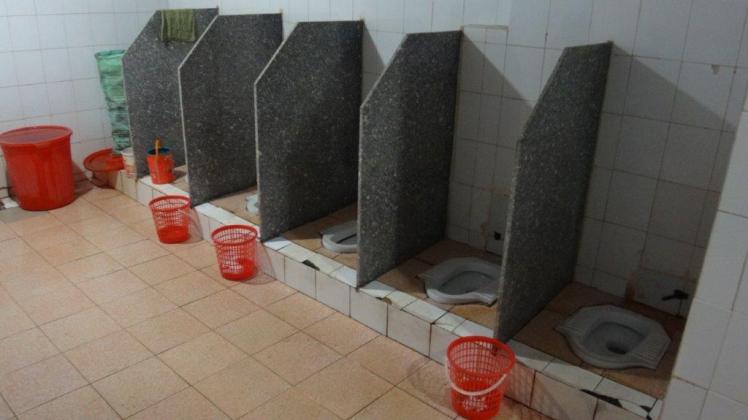 Bathrooms (35)
